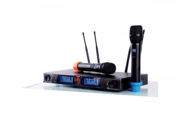 True Diversity UHF Wireless Microphone System